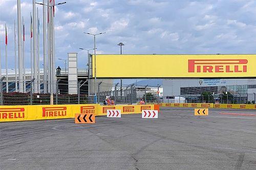 La F1 introduit un slalom dans le dégagement du virage 2
