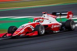 Шварцман стал вторым в воскресной гонке Формулы 3 в Сильверстоуне