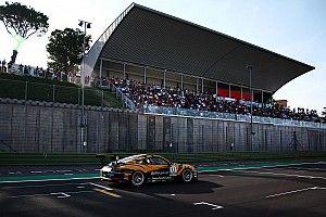Nel sabato della Carrera Cup Italia a Vallelunga c'è tutto il sale del motorsport