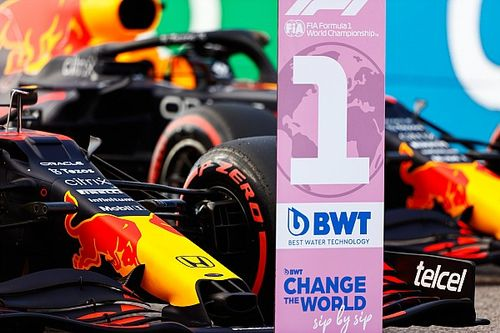 Verstappen golpea primero: pole en Austin sobre Hamilton