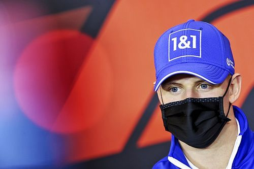 Schumacher és Ilott több mint 400 kilométert tesztelt Fioranóban
