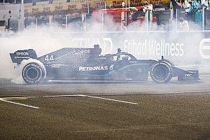 """Hamilton espère signer son nouveau contrat Mercedes """"avant Noël"""""""