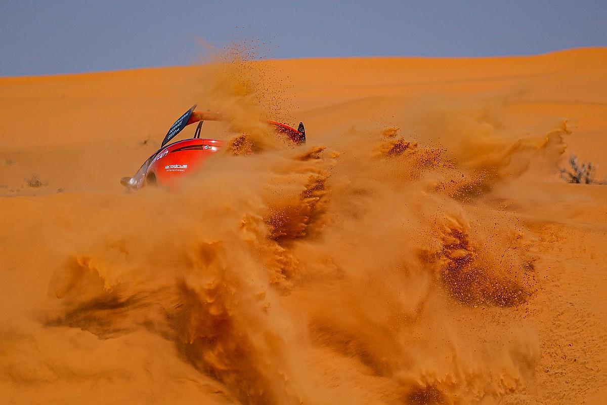 La noche más larga de Loeb en el Dakar: té y 9 horas en el desierto