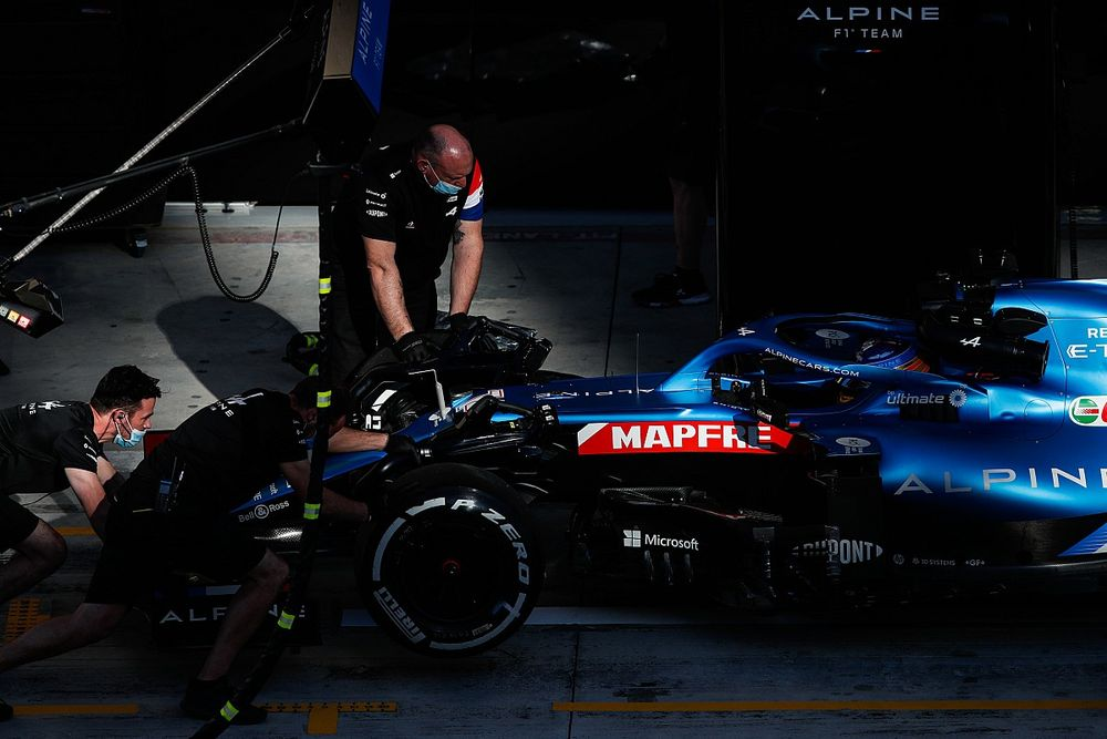 Todas las fotos de Fernando Alonso en los test de F1 2021