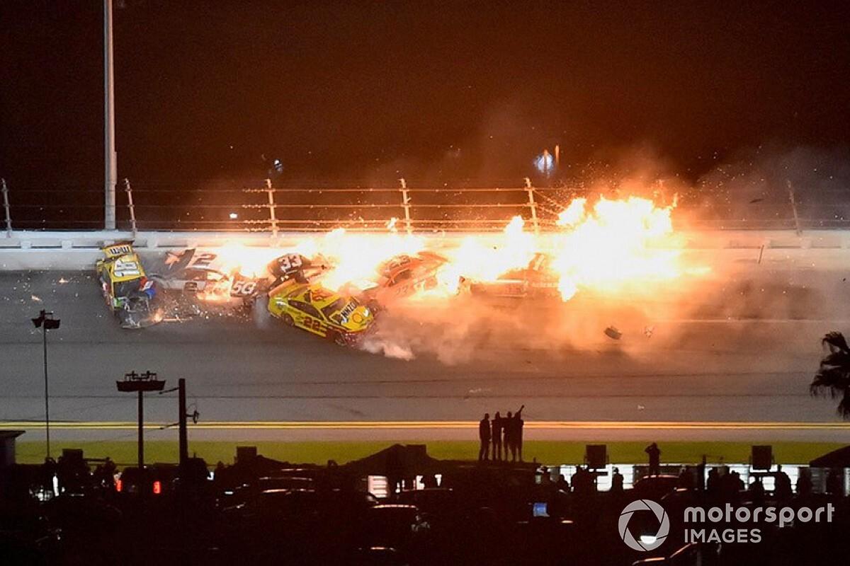 NASCAR Cup: gran botti e fuochi alla Daytona 500!