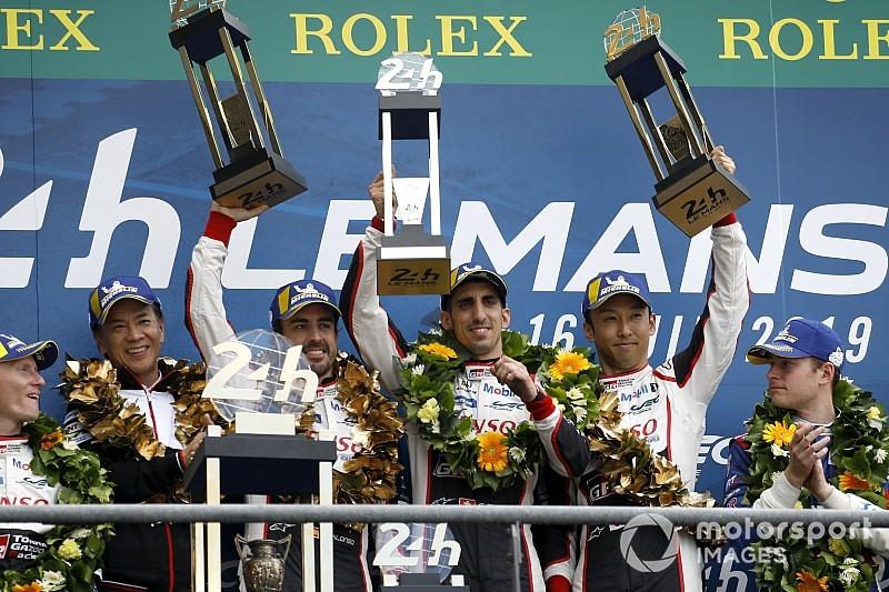Алонсо выиграл «24 часа Ле-Мана» и стал чемпионом мира, SMP Racing на подиуме