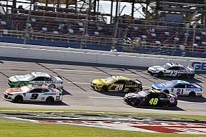 Chase Elliott leads Hendrick 1-2-3 in Stage 2 at Talladega