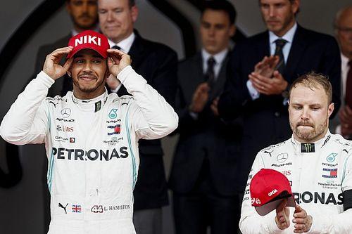 Bottas cuestionó la doble llamada a pits de Mercedes