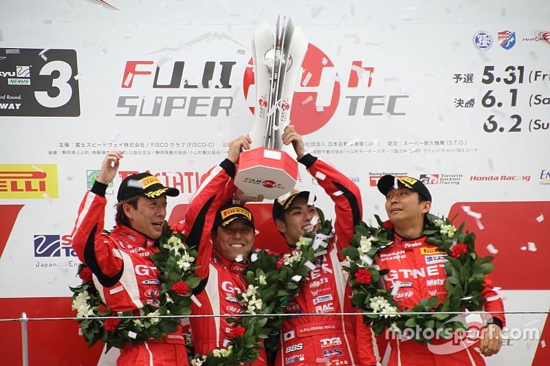 王者GTNET GT-R、最後までペース崩さず801周を走破、2連覇を果たす