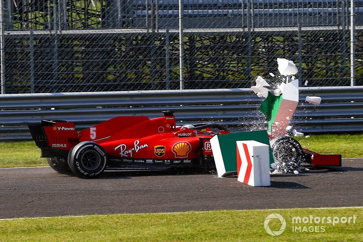 """Vettel diz que Ferrari """"provavelmente merece"""" estar em crise na F1"""