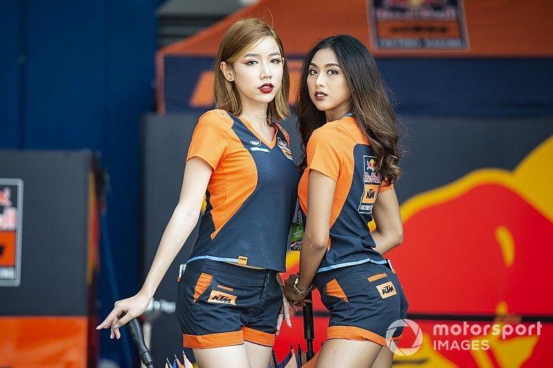 Micsoda rajtrácslányok a MotoGP-ben?!