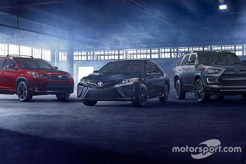 Toyota Camry та Highlander Nightshade дебютували в сутінках L.A.