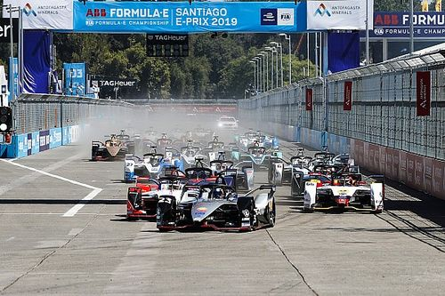 Santiago E-Prix: Bird beats Wehrlein as Buemi crashes out