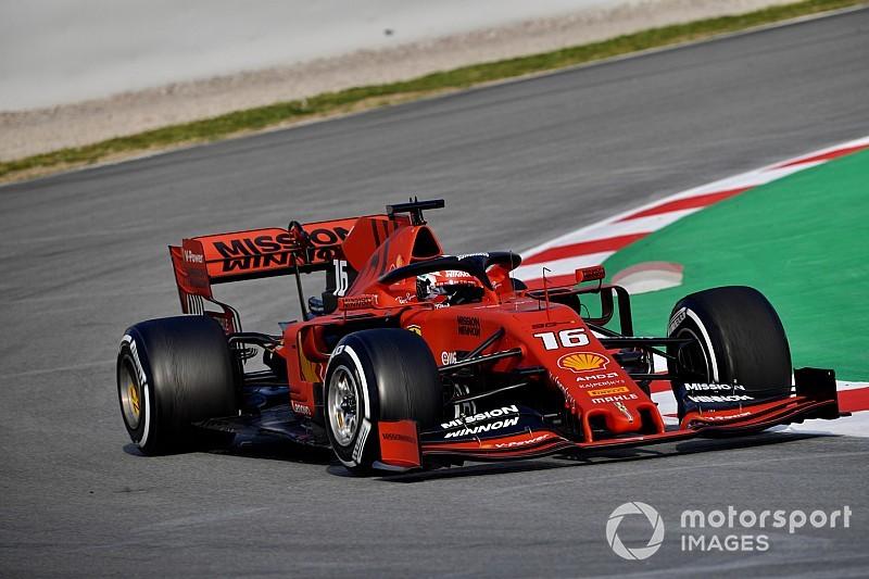 Leclerc mantiene a Ferrari al tope en la segunda mañana de pruebas en Barcelona