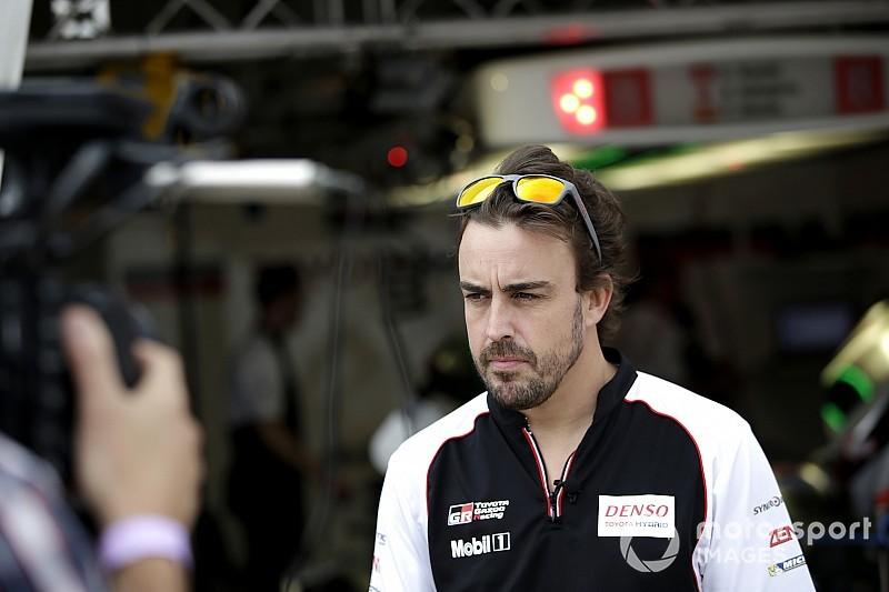 """Alonso: """"Llegamos con el campeonato más apretado de lo que debería estar"""""""