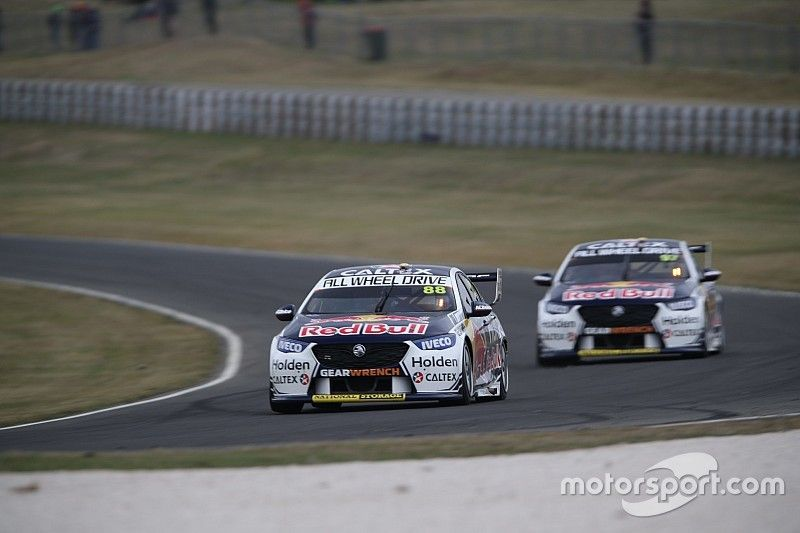 Tasmania Supercars: Whincup fastest as Holden dominates practice