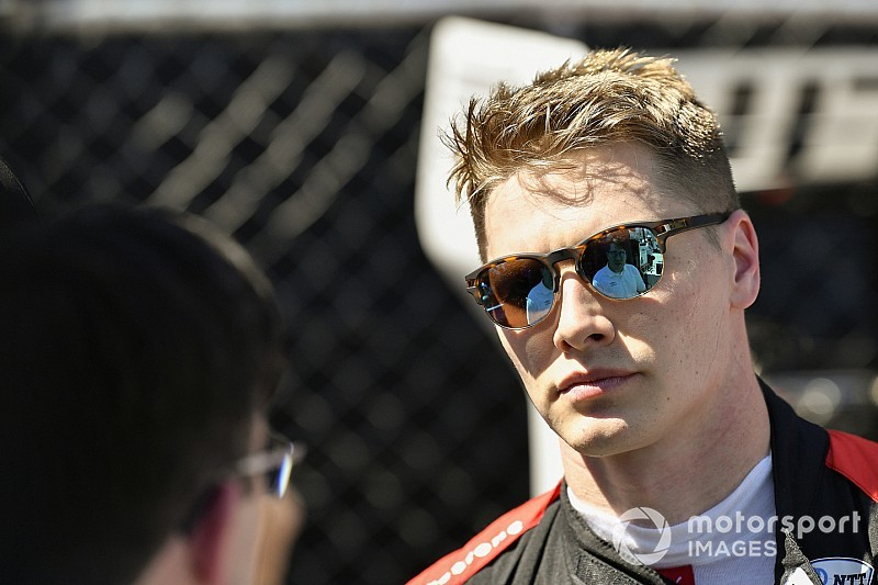 Iowa IndyCar: Penske-Chevrolet goes 1-2-3 in practice