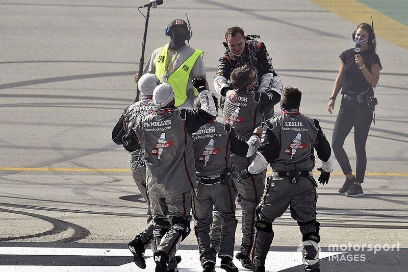 Cole Custer gana su primera carrera en NASCAR Cup en Kentucky
