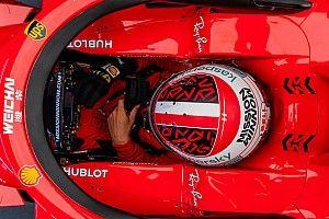 """Képeken Leclerc tesztje egy """"majdnem"""" világbajnok Ferrarival"""