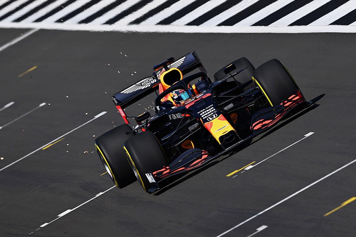VIDEO: Red Bull arriveert op Silverstone voor filmdag met RB16