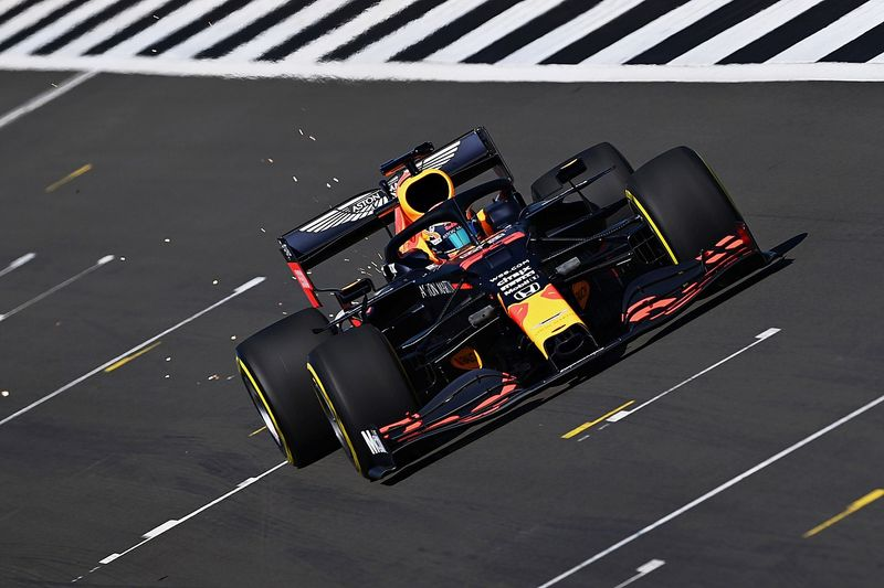 Red Bull prueba en Silverstone pero Verstappen debe esperar