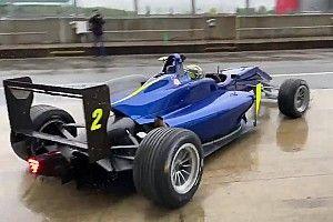Sainz ve Norris, Silverstone'da F3 aracıyla piste çıktılar