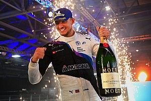 London E-Prix: BMW's Jake Dennis wins Race 1 at ExCeL