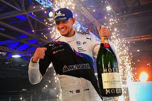 Dennis gana en Londres y da un gran paso en el campeonato