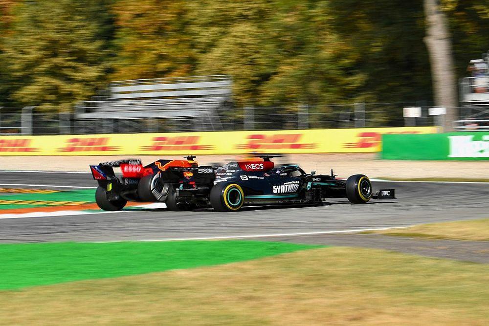 Az FIA szerint nincs baj a monzai magasított kerékvetőkkel