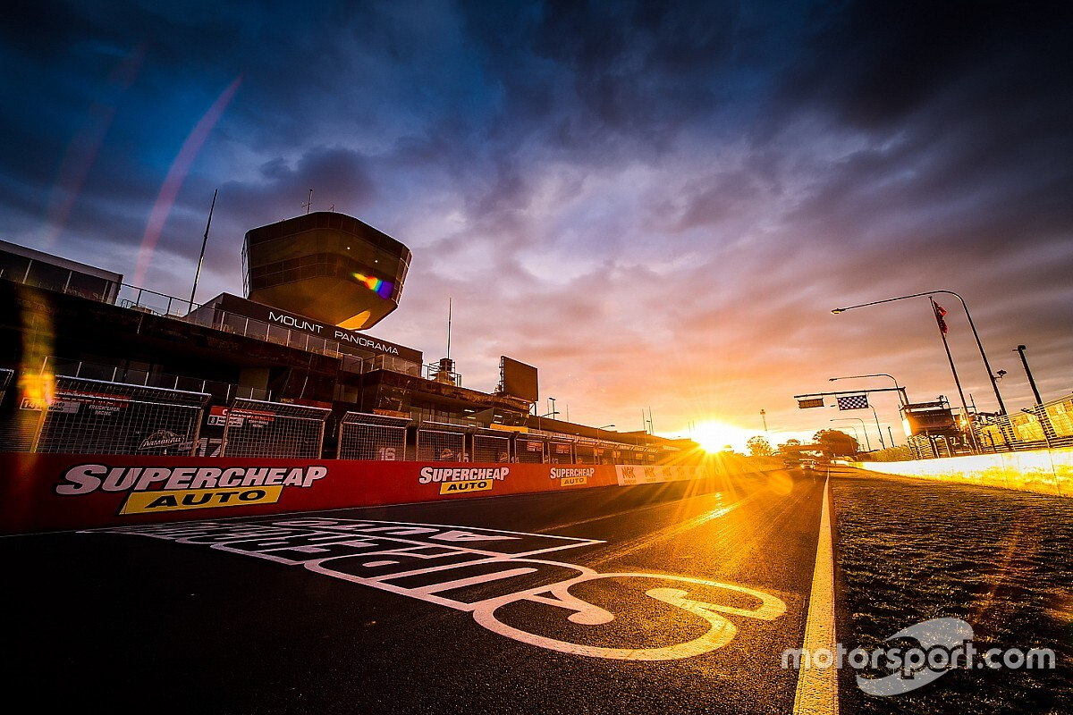 Why a Bathurst finale is risky business for Supercars