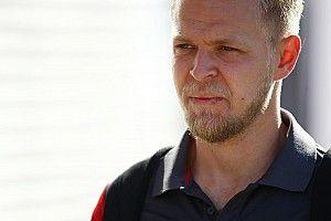 Magnussen zocht wedstrijdleiding op om actie van Verstappen