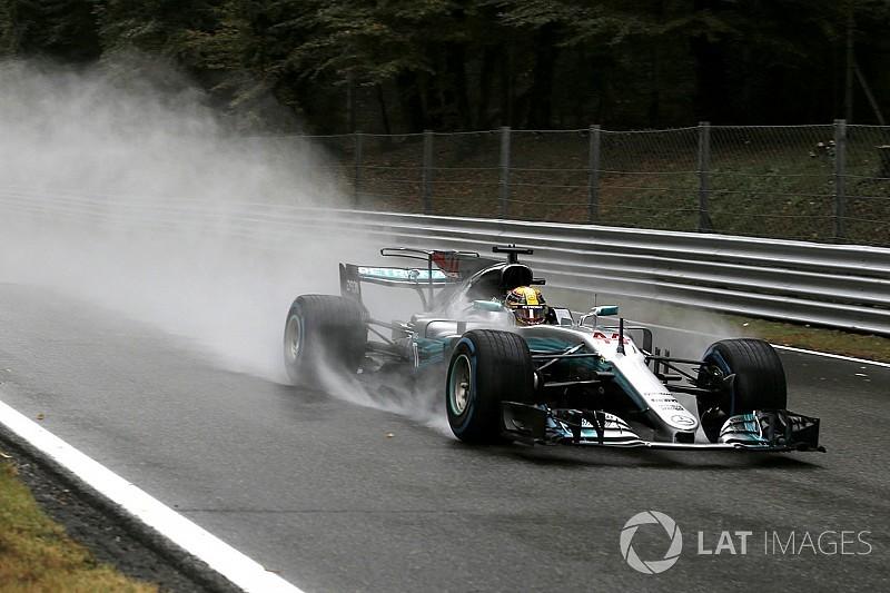 Hamilton ennyire örült az esőnek?