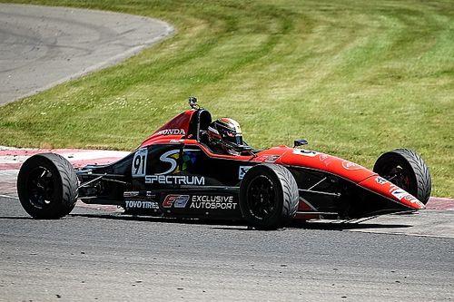 Konrad Czaczyk captures Formula Tour 1600 title