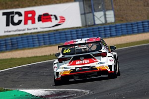 TCR Ultime notizie Demoustier abbandona la DG Sport, seconda Opel Astra a disposizione