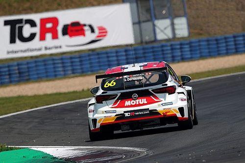 Demoustier abbandona la DG Sport, seconda Opel Astra a disposizione