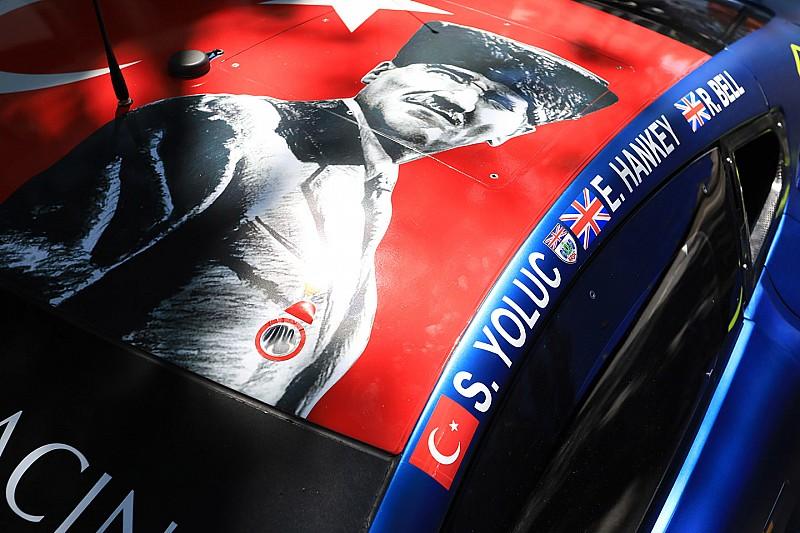 Salih Yoluç, Le Mans'a katılacağı araçtaki Atatürk portresini kaldırmak zorunda kaldı!