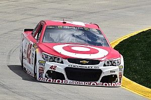 Martinsville qualifying rained out, Larson to start from pole