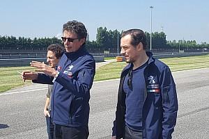 TCR Italia Ultime notizie Accorsi: giro di pista a piedi con Arduini per imparare i segreti di Adria