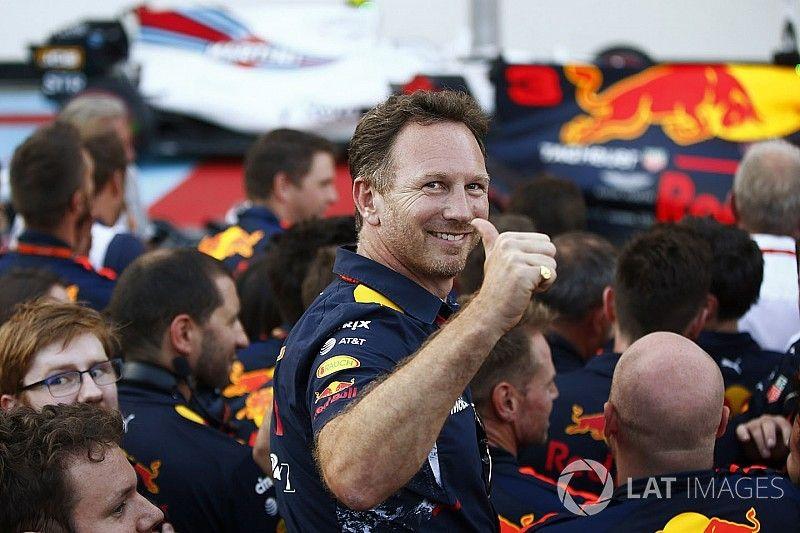 """Horner overtuigd van Verstappen: """"Kan ook zomaar drie GP's op rij winnen"""""""