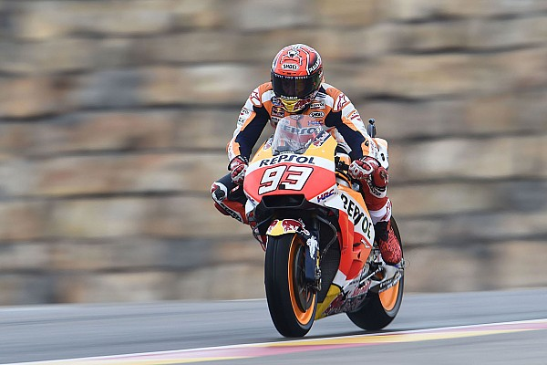 MotoGP Practice report Aragon MotoGP: Marquez tops damp FP1, Rossi P18