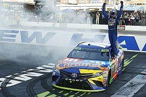 Кайл Буш прошел во второй раунд плей-офф NASCAR