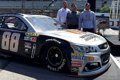 """Dale Jr. to run his """"favorite paint scheme of all-time"""" at Darlington"""