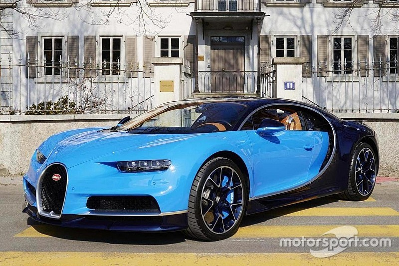 Bugatti Chiron brengt verrassingsbezoek aan Zwitserland