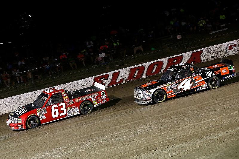 В NASCAR задумались о проведении гонки на грунтовом овале