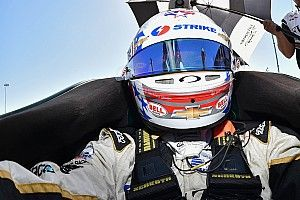 Newgarden leads IndyCar's final warm-up of 2016