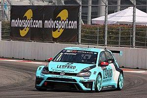TCR in Sochi: Stefano Comini schnappt sich die Pole-Position