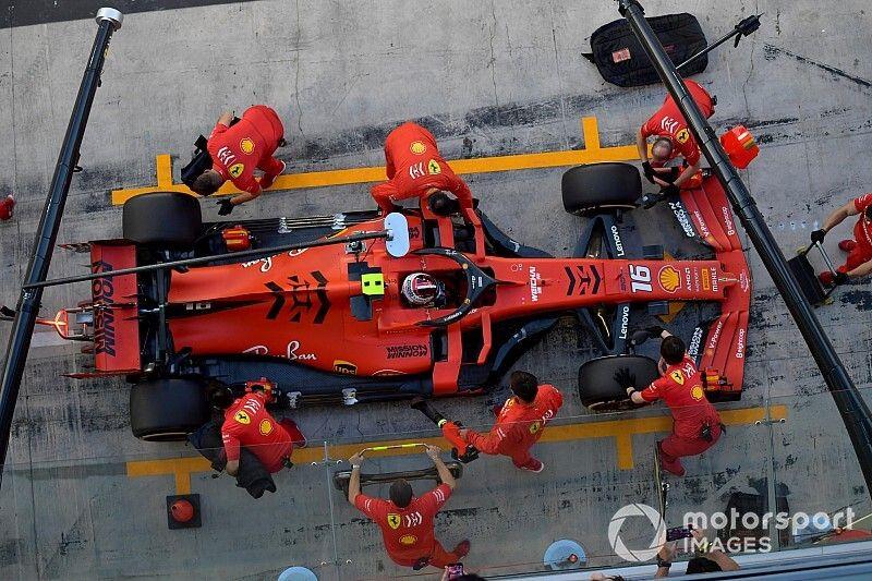 Ferrari beboet voor fout met brandstof, Leclerc behoudt podium