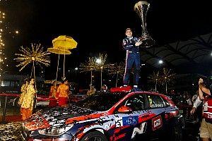 Fotogallery WTCR: Michelisz Campione brilla nella notte di Sepang