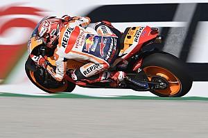 MotoGP, Valencia, Warm-Up: Marquez cade, ma è il più veloce