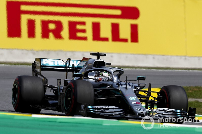 Hamilton loses podium after penalty for Albon clash
